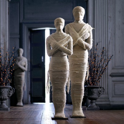 lifesized-wrapped-mummy-statues-1